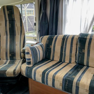"Photo of project ""Hymer B584 New half leather upholstery"" #13"